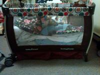 I have a gorgeous bassinet playpen combination. The