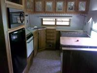Year: 1997 Condition: Used 30 FT Elite Camper