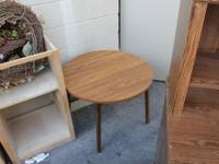 28 inch round Retro 1970's End Table ONLY $7 at