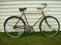 "Huffy Sun Country, 22"" Frame. Functions: Fenders, Chain"