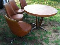 Classic, retro 1969 kitchen area table and chairs by