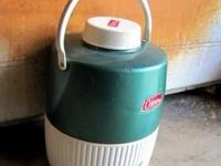 This Antique Coleman Colletable is a 2 Gallon Green &