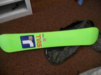 AVAILABLE A TRIP 164CM SNOWBOARD WITH CIRCULATION