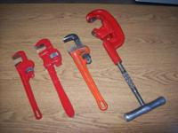 RIDGID #2A THREE WHEELED PIPE CUTTER AND THREE PIPE