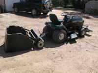 CRAFTSMAN RIDING LAWN MOWER W/ ATTACHMENTS--NICE CLEAN