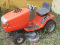 Riding Lawn Mower / Briggs and Stratton - Comes with an