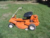 Montgomery Ward Riding Mower........5HP NEWLY SHARPEND