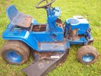 THESE 2 MOWERS ARE FOR PARTS ONLY AND DO NOT RUN.One is