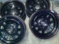 Black 15x7daytona rims. Good shape, fit most fords and