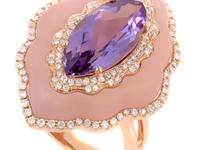This ring has a feminine and exotic design that is