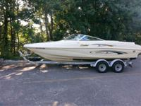 This fully equipped 2001 Rinker Captiva 212 is in