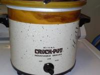 Rival crockpot with removable sever used probably twice