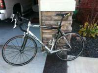 Specialized road bike. Excellent condition, SUPERIOR