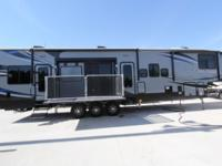 ROAD WARRIOR 427 FW TOY HAULER BY HEARTLAND 2 PATIO