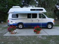 2005 Roadtrek type Classic Supreme by Great West, Class