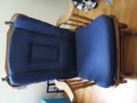 Baby Room Glider  Good condition  With Cushions