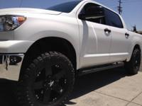 XD 775  BLACK RIMS /WHEELS WITH TIRES 35X125018 TOYO