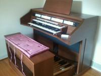 Excellent condition rodgers 440 organ. Works