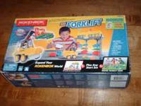 BOC R.C. Forklift with Warehouse . #04213 New In Box