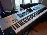 Type: Electronic Keyboard Type: Roland Fantom-X8
