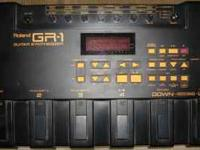 Roland Gr-1 Guitar synth w/ gk-2a pick up,13 pin cable,