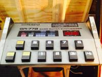 ULTRA RARE GR77-B BASS SYNTHESIZER.  INCLUDES BASS AND