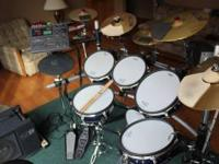 Roland TD10 Electronic Drumset Includes: (1) Roland
