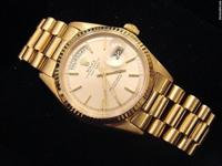 This is a very hansdsome mens Rolex solid 18kt gold