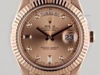 For sale is a mint condition 41 mm rose gold Rolex Day