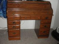 Roll Top Desk, in very good condition.Has five drawers,