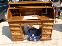 ROLL TOP  OFFICE DESK IN FINE CONDITION . AT THIS PRICE