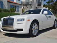 This 2010 Rolls-Royce Ghost 4dr 4dr Sdn Sedan features