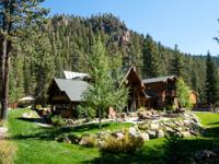 Beautiful mountain views, a location close to Squaw