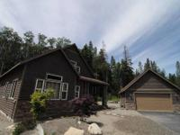 Roslyn Hideaway* Easily hosts large families or groups