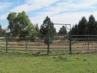 13 panel round corral with two bow gates - one 4ft and