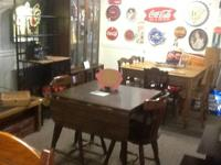 Small round kitchen / dining table with 2 chairs $60