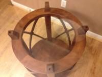 Round glass kitchen table, 4' diameter, 2.5 feet