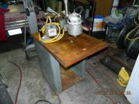 INDUSTRIAL SIZE ROUTER WITH ARM AND TABLE AND FOOT