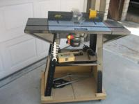 Wolfcraft Model 6156 Router Table with Adjustable Fence