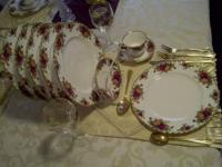 36-piece dinnerware set a 12 place settings (Excellent