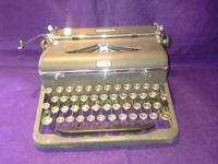 1939 Royal manual typewriter Aristocrat model number