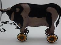 Up for sale is a very nice, rustic metal holstein cow