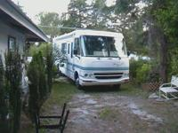 COACHMEN MIRADA 98 YEAR 31 FEET 10 CYLINDER. $ 9.000
