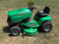 Selling one john deere sabre 13 Hp Briggs 5 Speed
