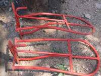 I have 2 red metal saddle Racks and 1 Black metal. Can
