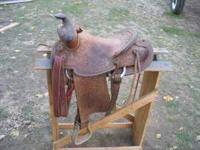 Nice youth saddle, good sheepskin, fits a good sized