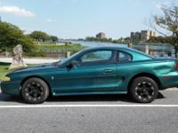 Ford Mustang 3.8L. 1996. BIG ATTRACTIVE RIMS! RUNS &