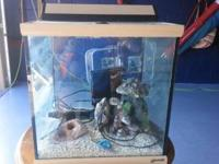 Saltwater aquarium in excellent condition. This is a 25