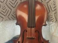 Samick high quality violin model HVS 4/4. Comes with
