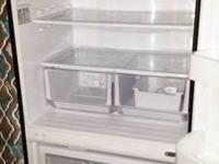 Samsung twin cooling fridge with the freezer at the